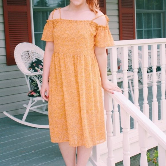 Xhileration Dresses & Skirts - Xhileration Yellow Off-The-Shoulder Tie Dress